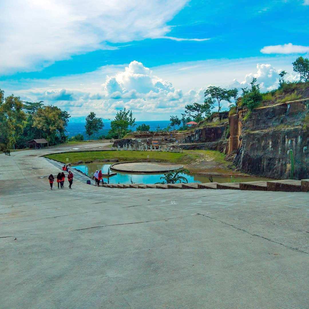 Bagian Bawah Tebing Bereksi Jogja, Images From @chachaklubby13