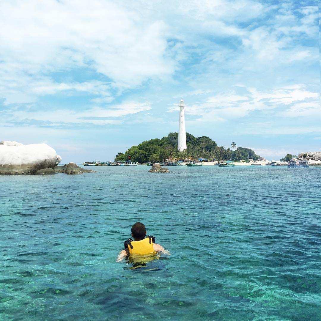 Berenang di Sekitar Pulau Lengkuas, Images From @rainhards