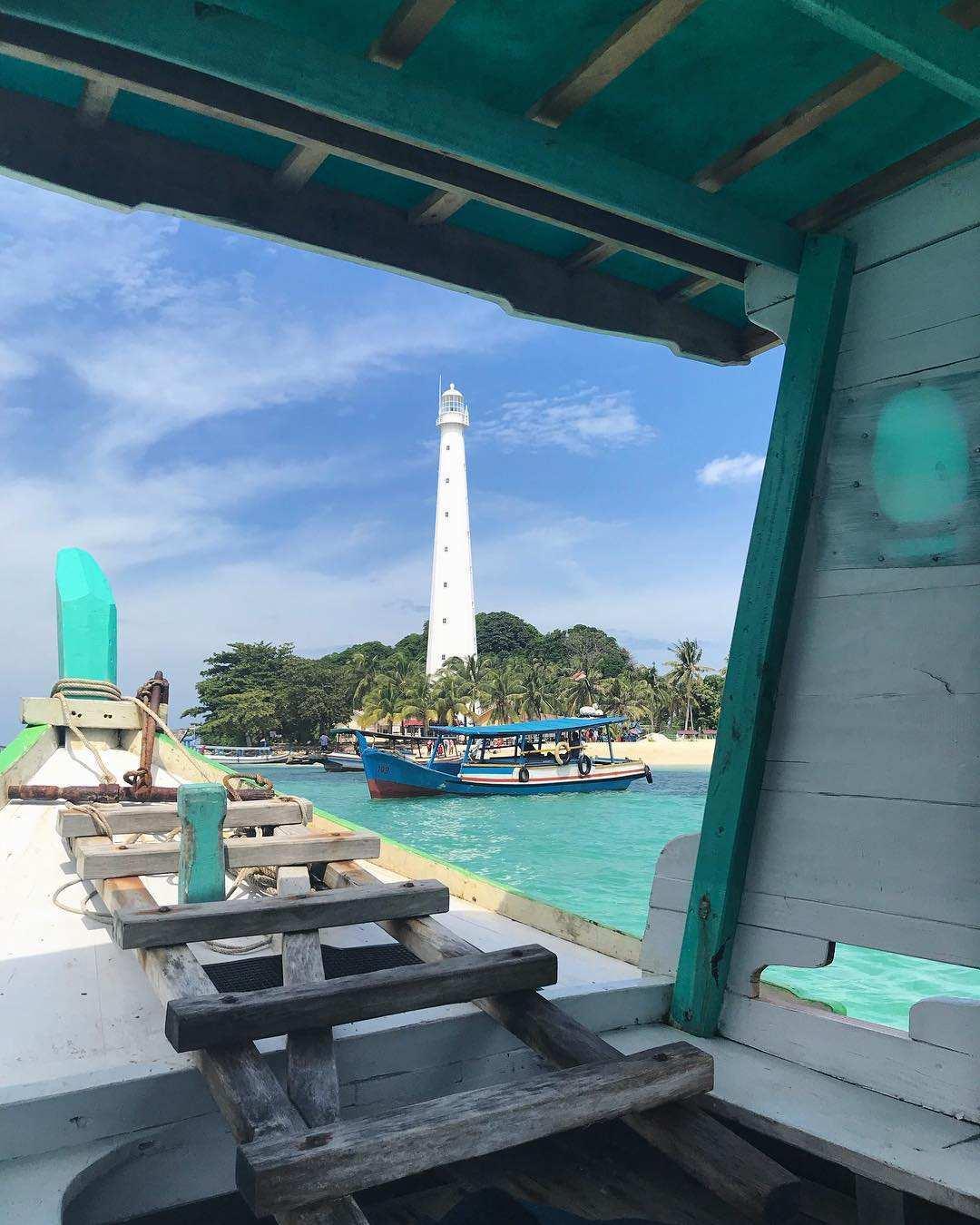 Foto Pulau Lengkuas Dari Kapal, Images From @nizbits