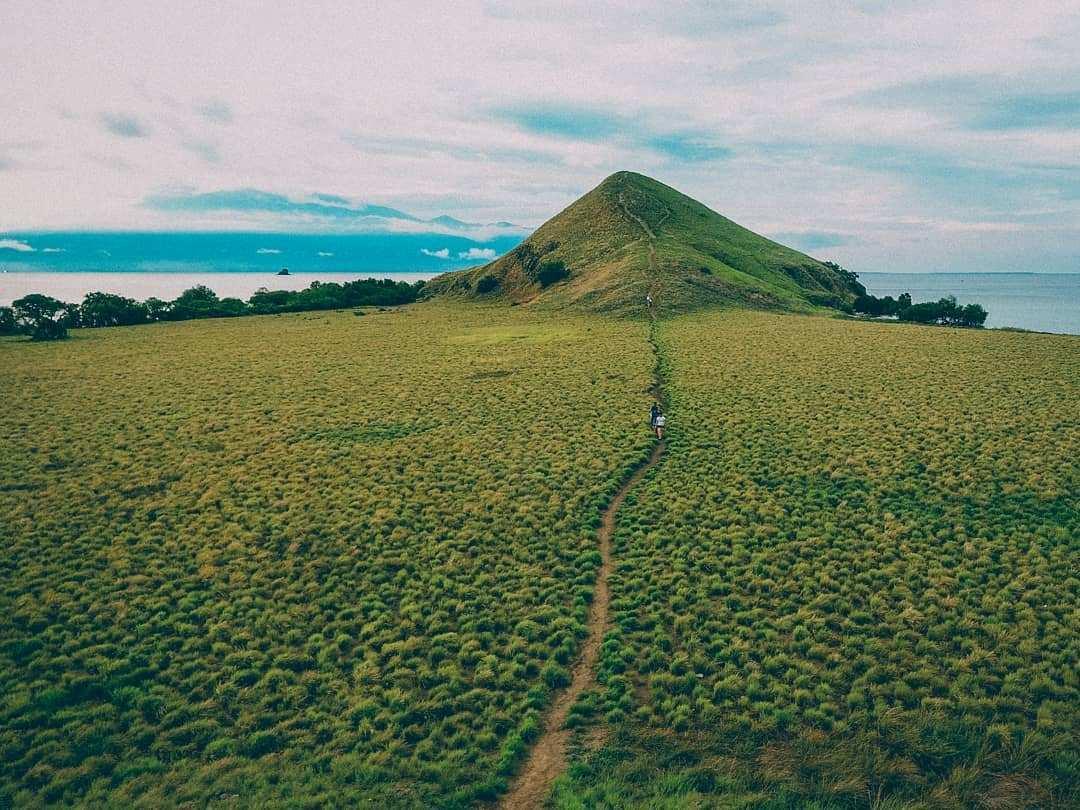 Hijau Rumput di Pulau Kenawa Images From @harryhermanan