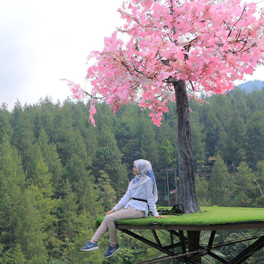 Sky Tree di Dago Dream Park, Images From @teahazmiii