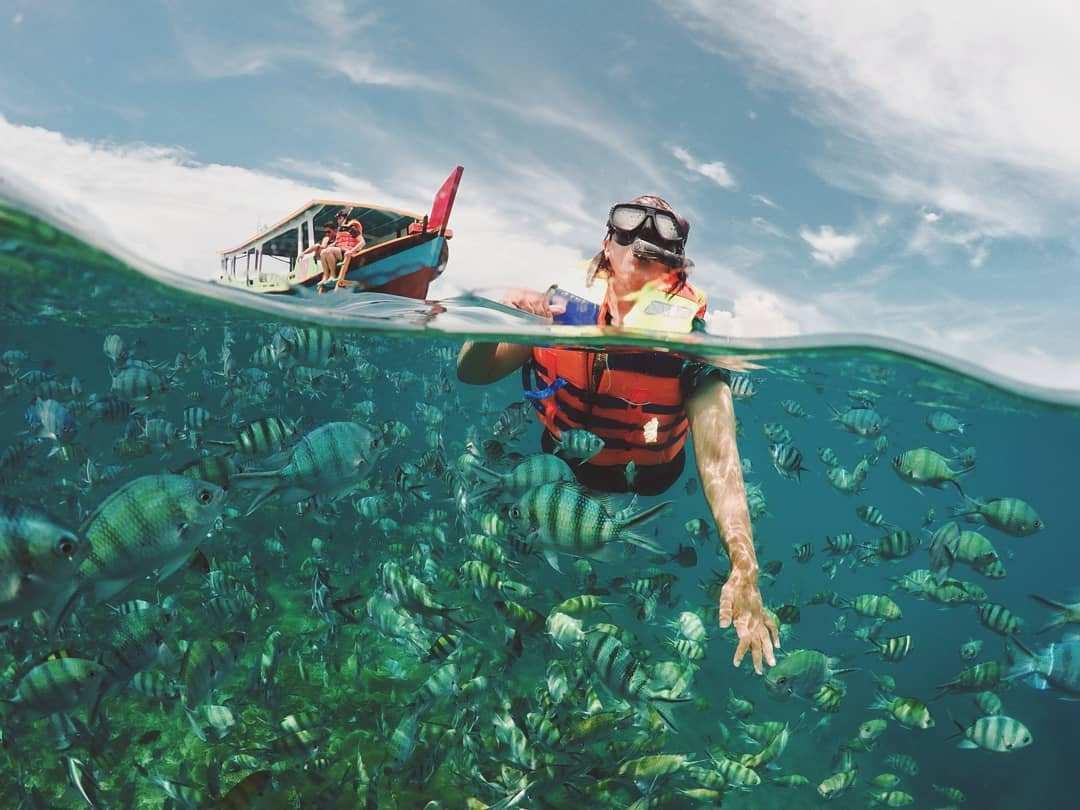 Snorkeling di Pulau Lengkuas, Images From @akuteguh