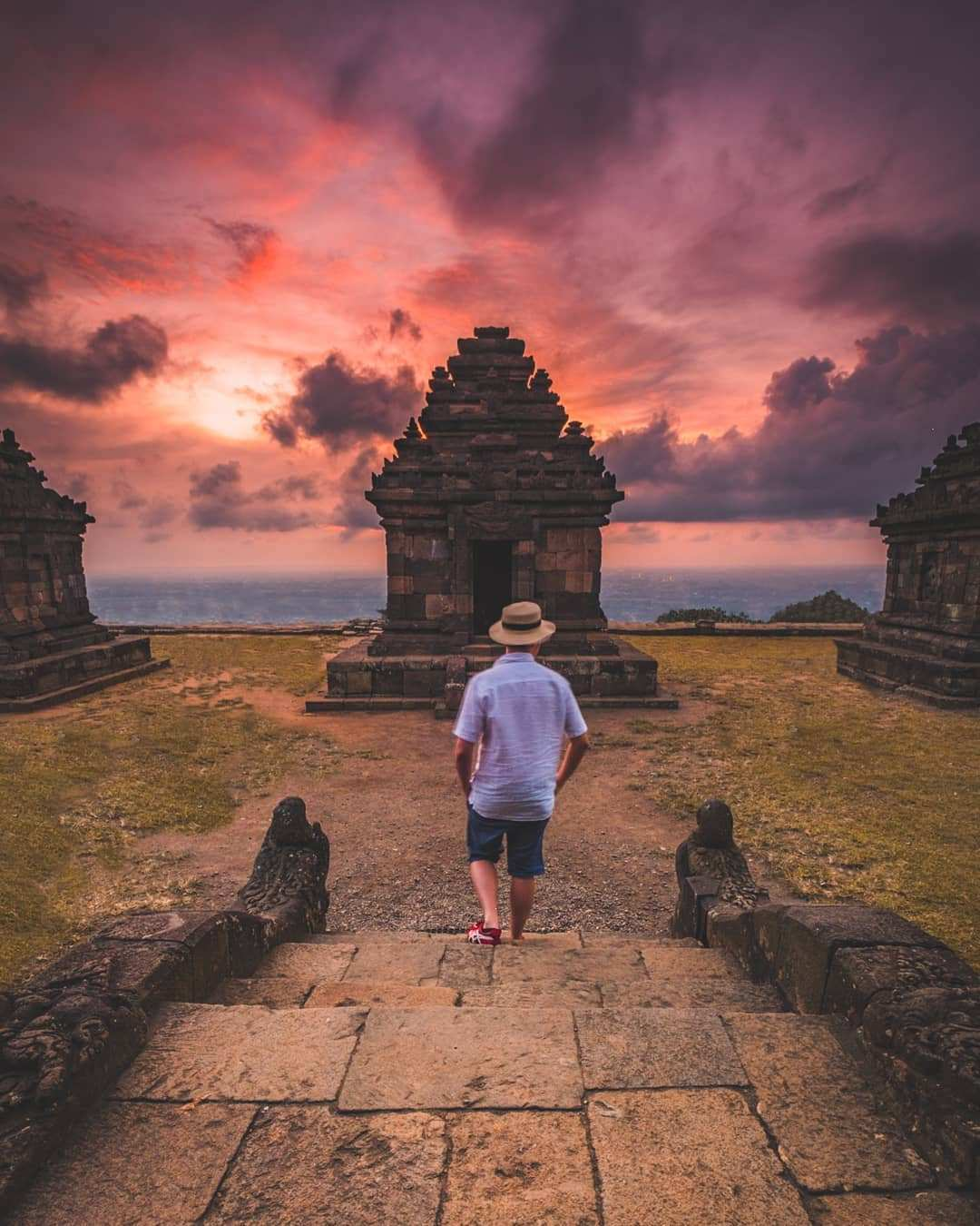 Suasana Sunset Candi Ijo Jogja Images From @andrewtaswin