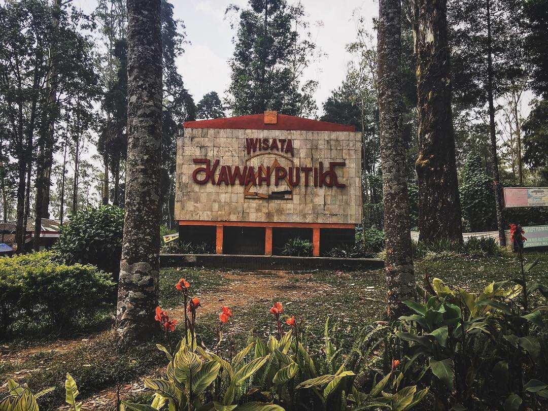 Wisata Kwah Putih Ciwidey, Images From @ivy_oneyvi