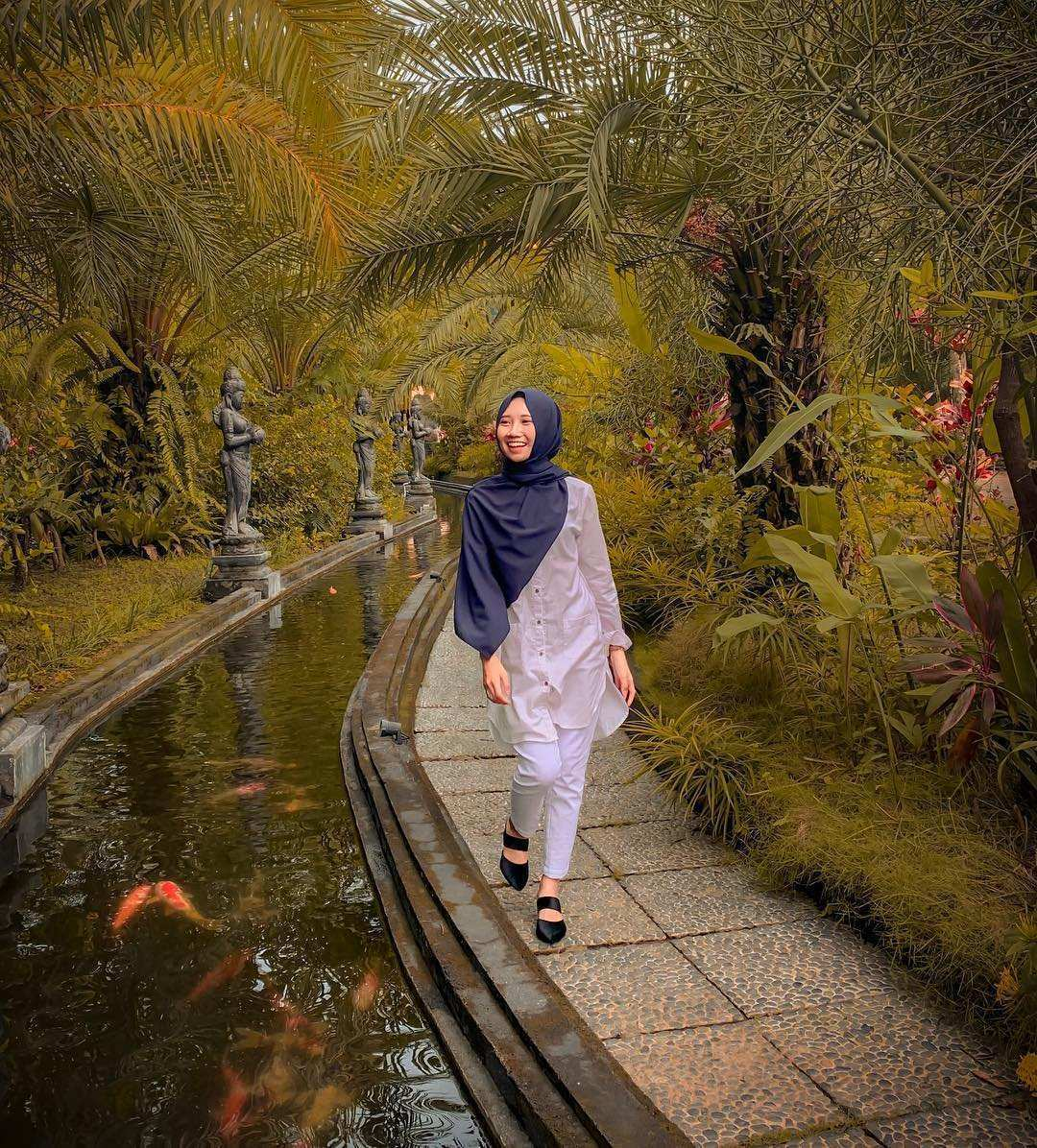 Pemandangan Kolam ikan di Lembah Tumpang Malang, Images From @maymaya13