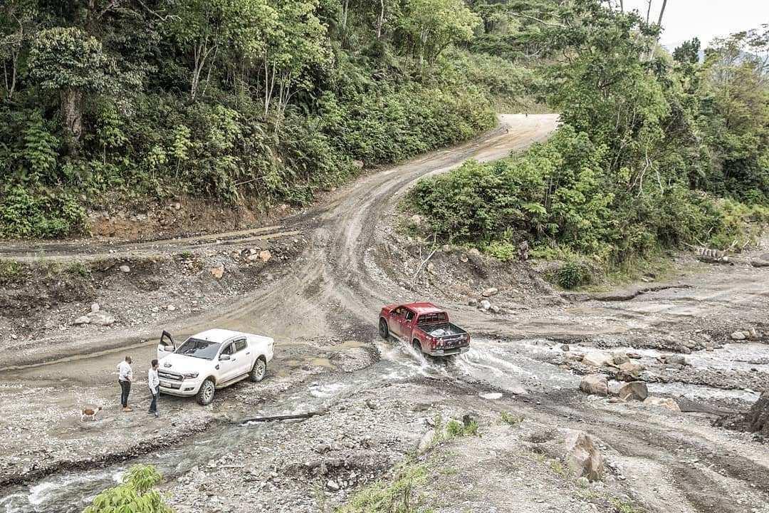Kondisi Jalanan di Pegunungan Arfak, Image From @rizkidwiput