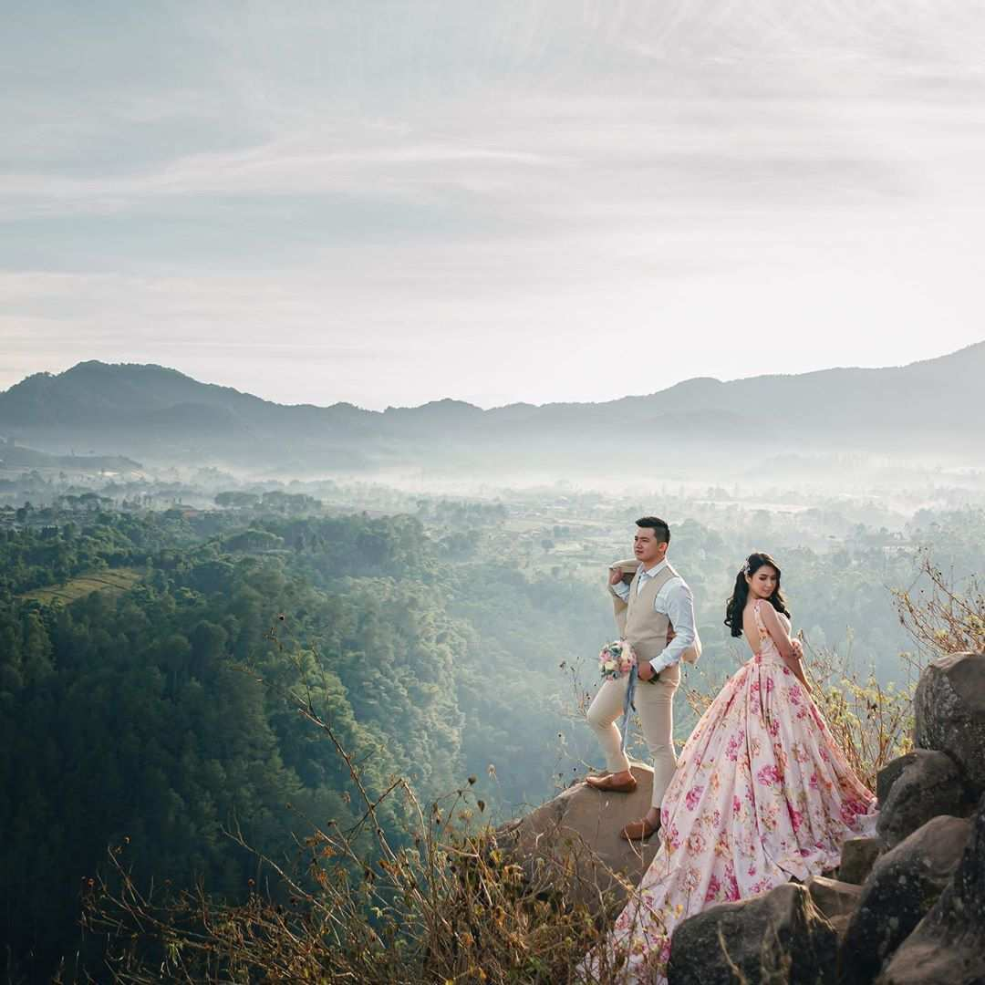 Foto Prewedding di Tebing Keraton Bandung, Image From @kianphotomorphosis