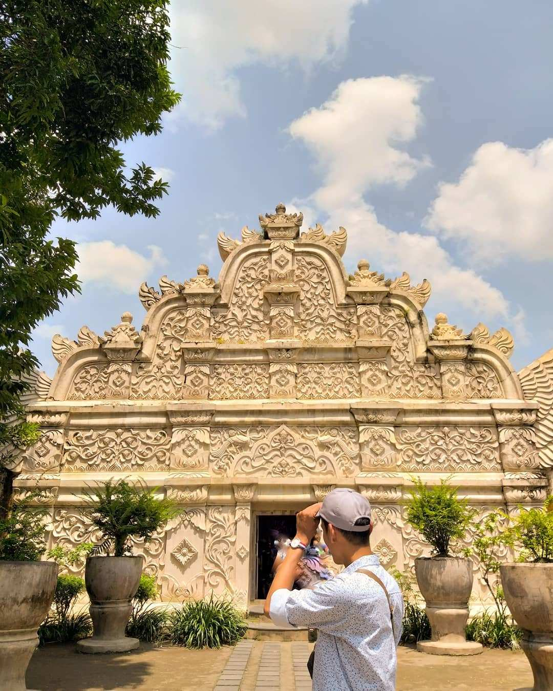 Gapura Agung Taman Sari Jogja Image From @narfn