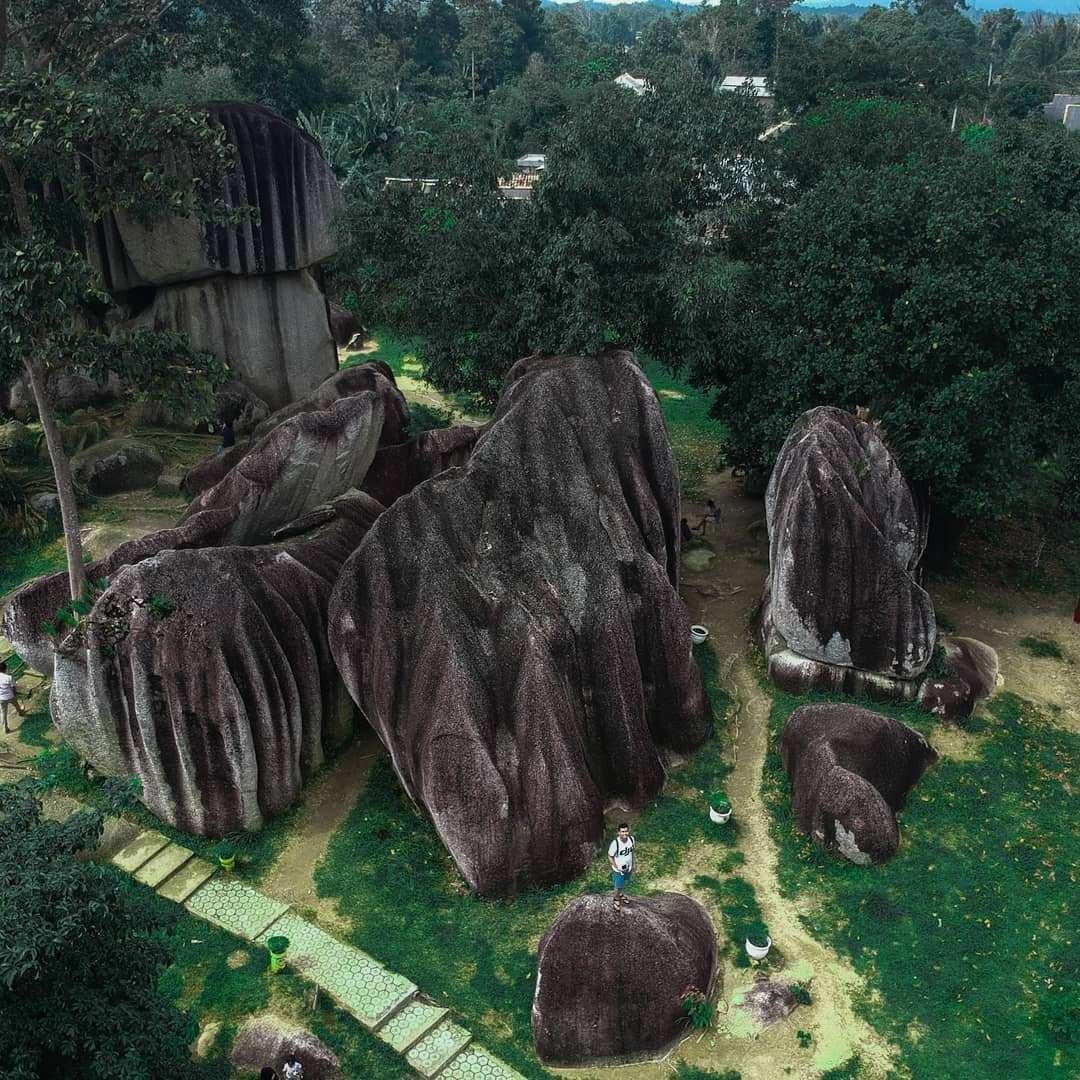Batu Belimbing Terlihat Dari Atas, Image From @indransyah