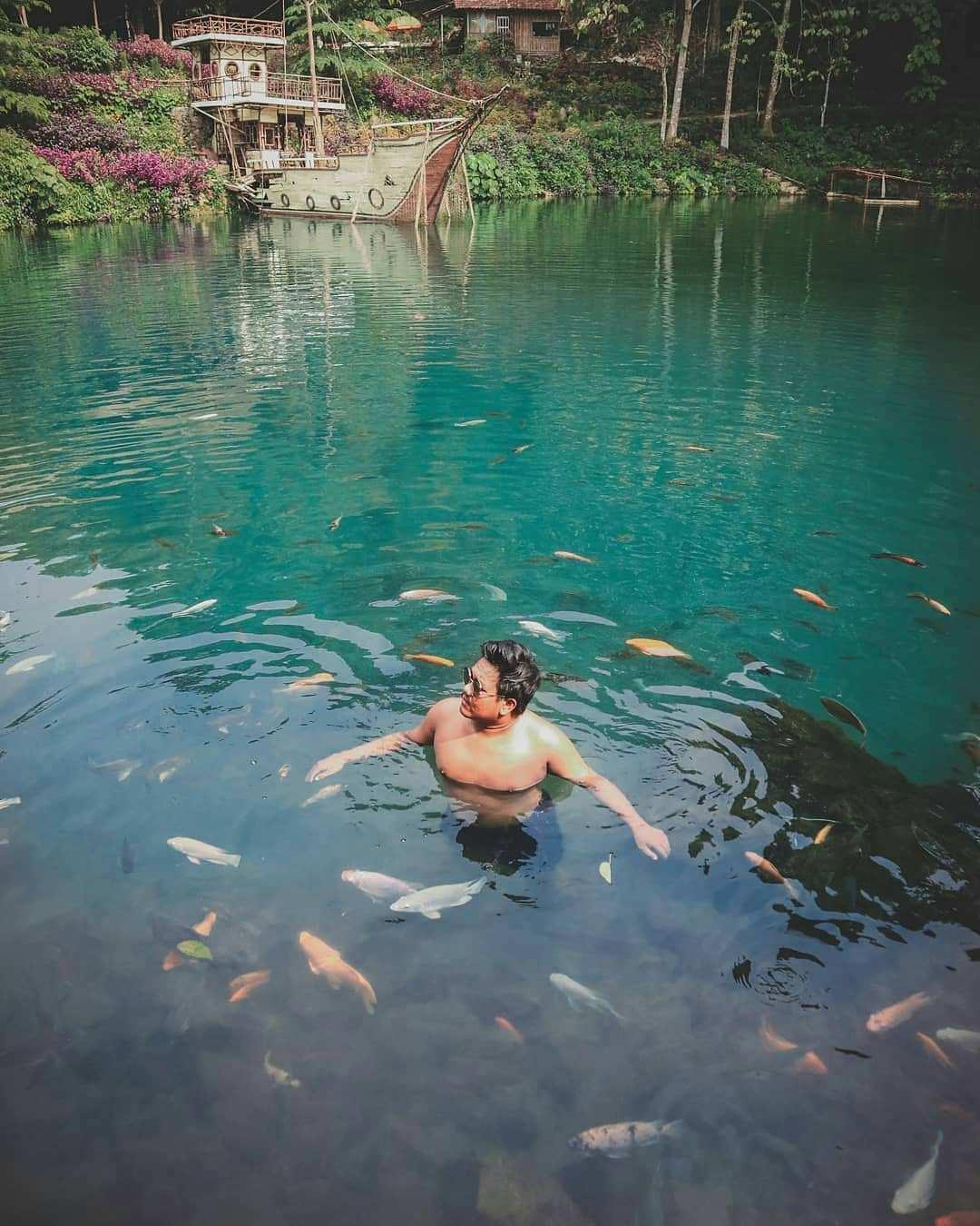 Berenang di Lokasi Situ Cipanten, Image From @egimoto_
