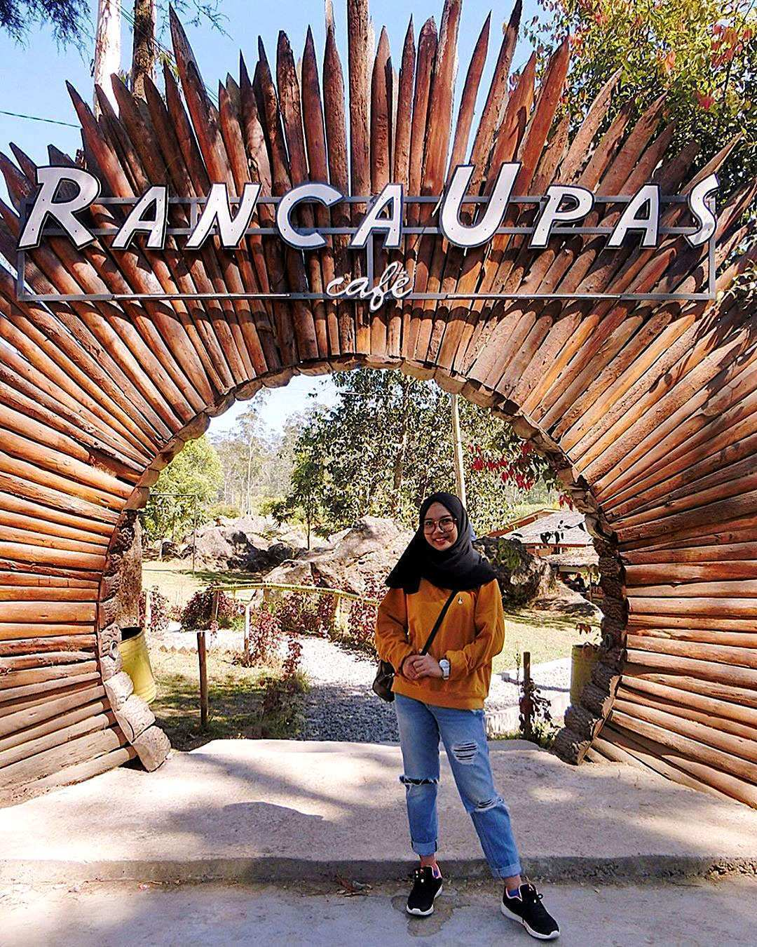 Berfoto di Depan Ranca Upas Cafe Image From @ristianii98
