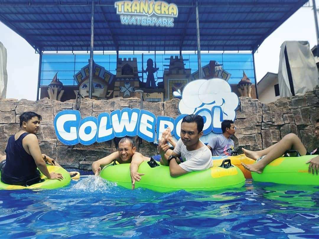 Golwe Pool di Transera Waterpark, Image From @arifferyzal
