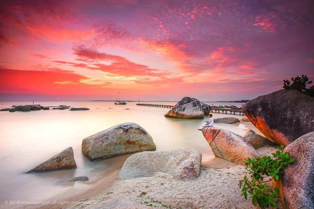 Indahnya Sunset di Pantai Batu Perahu Image From @mierdiansyah