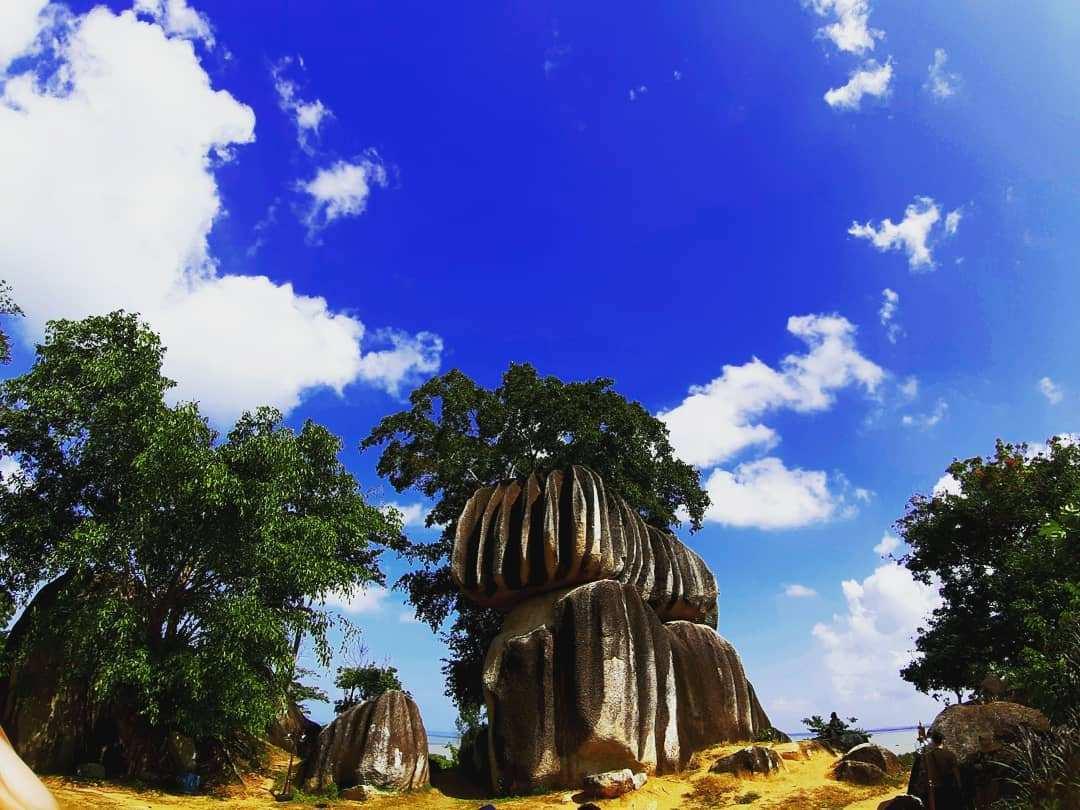 Pemandangan Batu Belimbing, Image From @fikrinatio