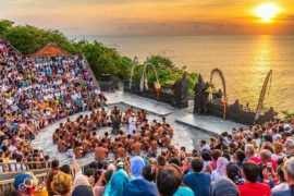 Pertunjukan Tari Kecak di Uluwatu Temple Image From@novemlawalata 270x180