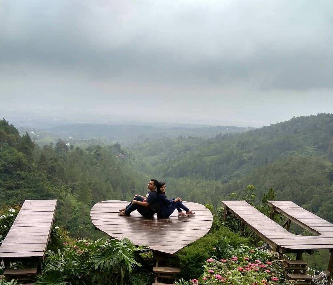 Spot Foto I Love U di Batu Flower Garden, Image From @viethaiicha