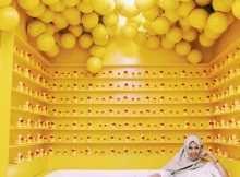 Spot Foto dengan nuasna kuning di Centrum Million Balls Bandung, Image From @wij.fan