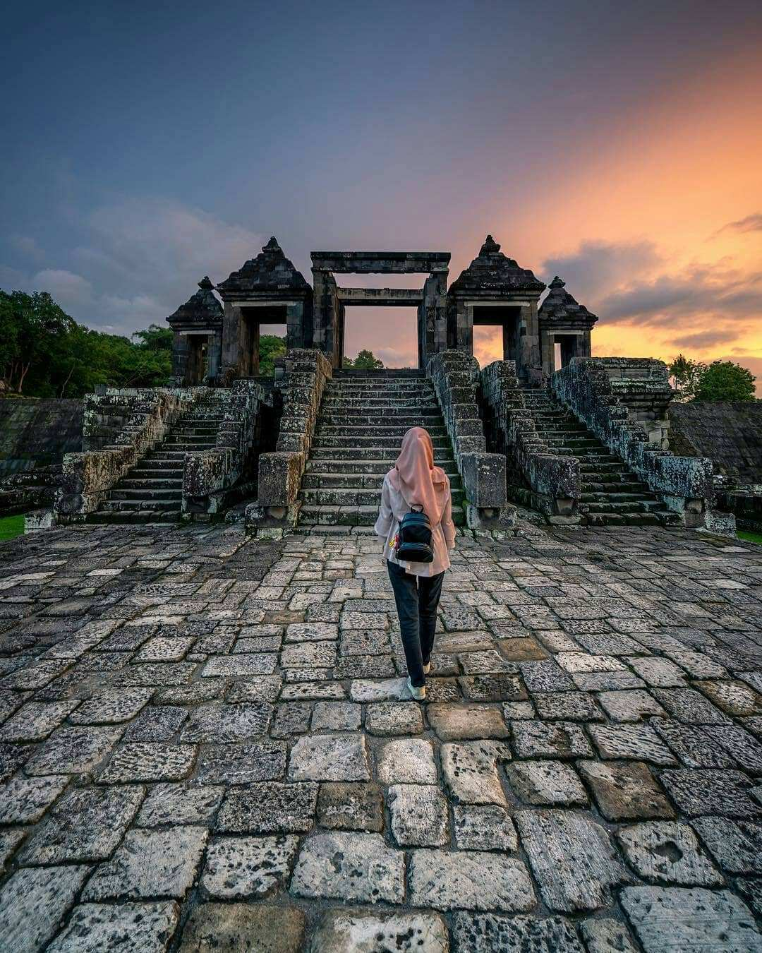 Sunset Ratu Boko Jogja Image From @syahdiea