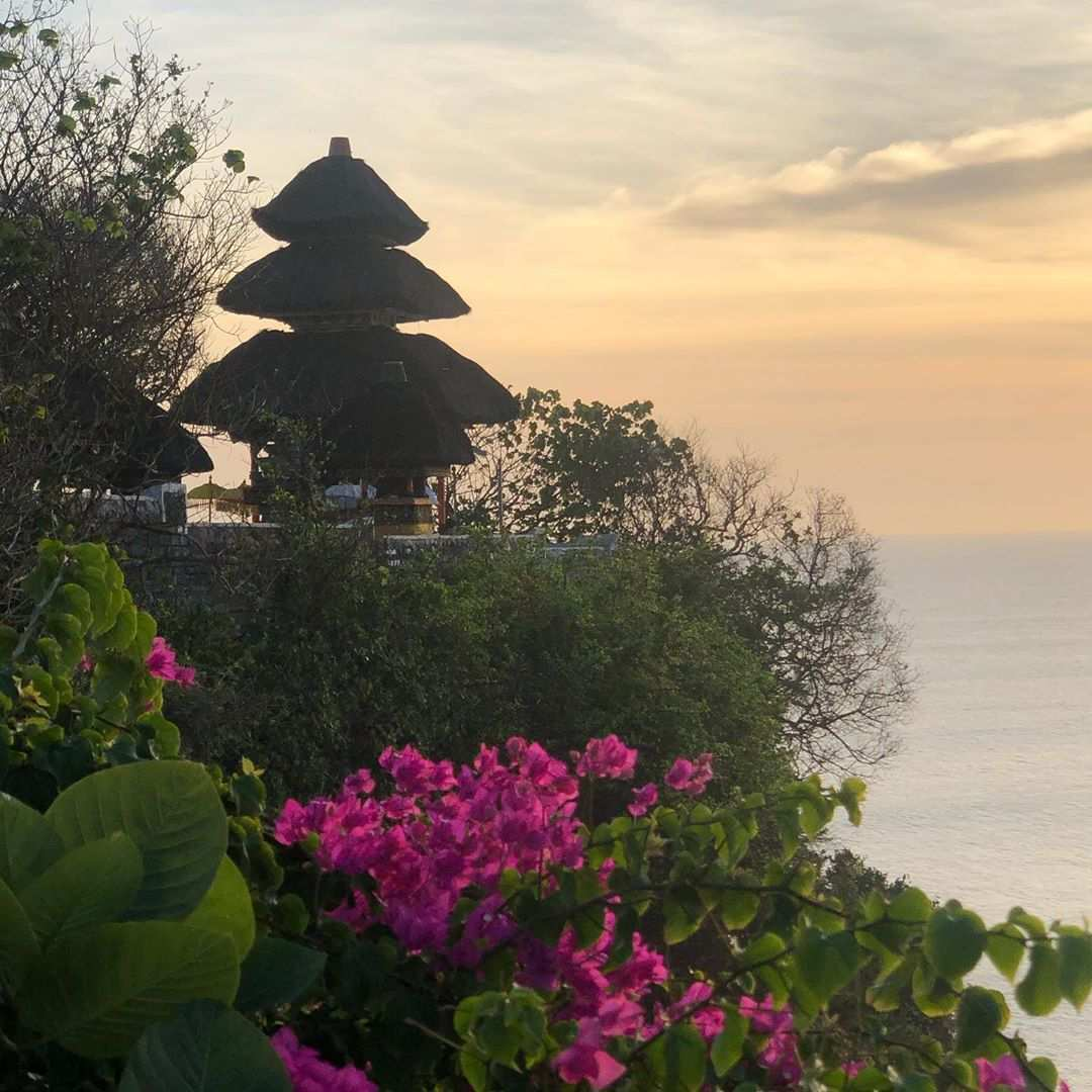 Uluwatu Temple, Image From @chantelle_is_happy