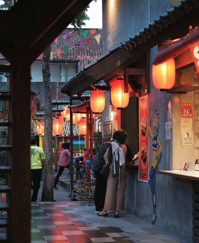 Suasana di Chinatown Bandung, Image From @chinatownbandung