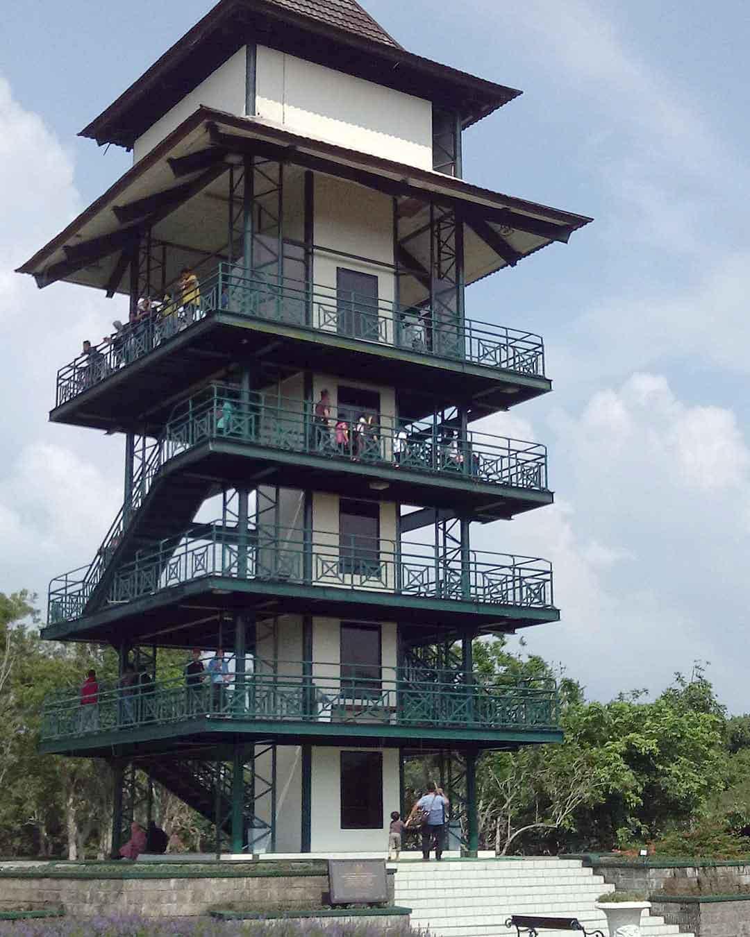 Menara Pandang di Taman Bunga Nusantara Image From @erghabule