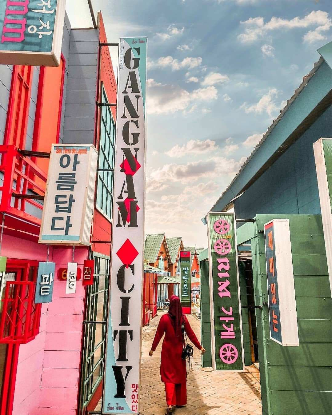 Bangunan menyerupai kota di korea, lokasi Florawisata San Terra, Image From @@citho_journeys
