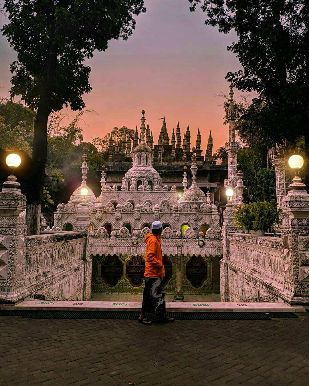 Senja di Masjid Tiban Malang Image From @naufalhanif_fa
