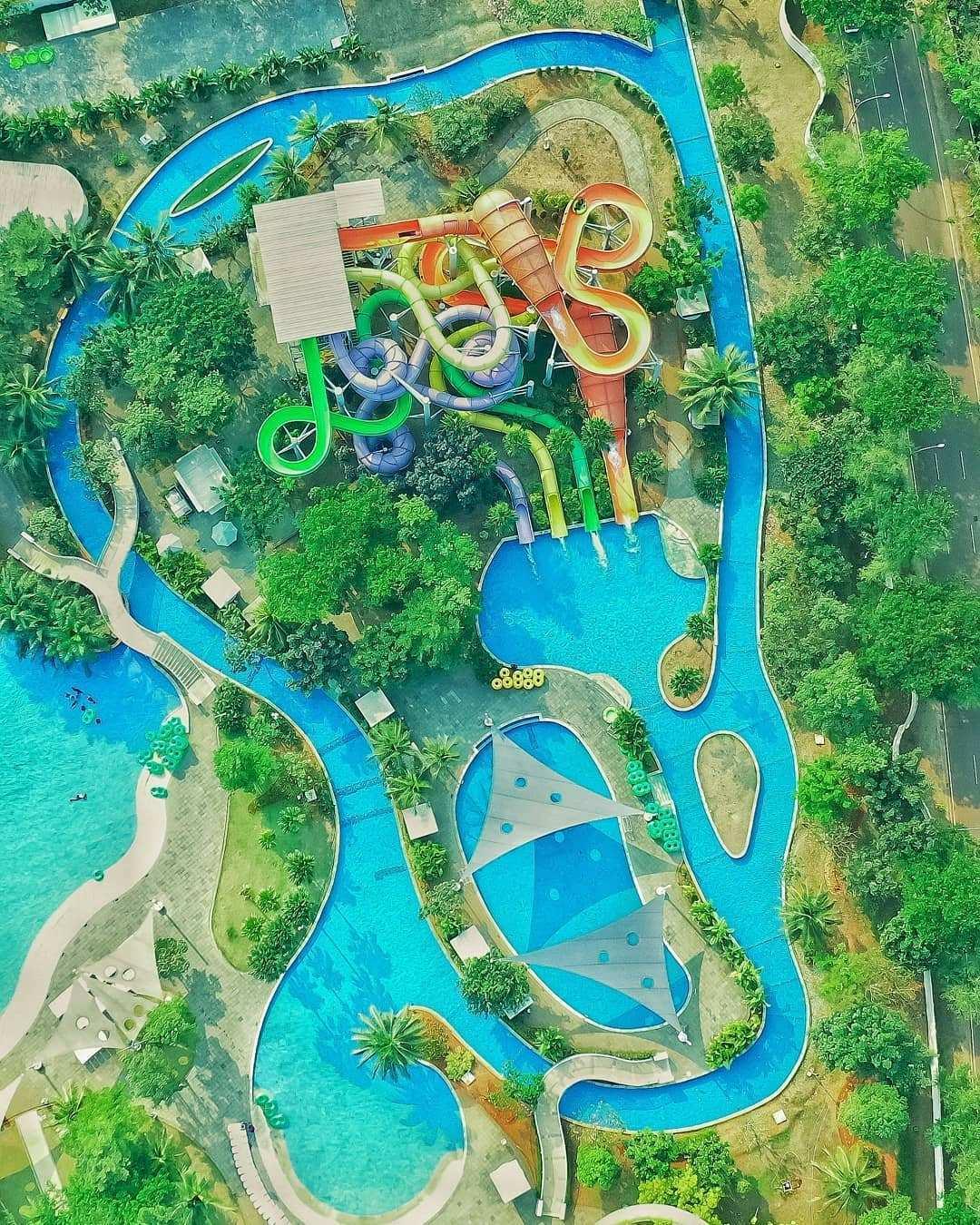 Wahana Yang Ada di Go Wet Waterpark Bekasi Dilihat Dari Atas, Image From @omroy02