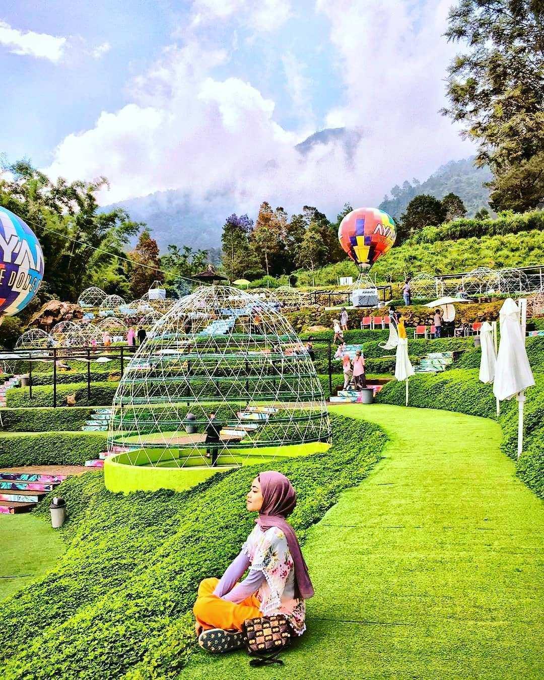 Berfoto Dengan Background berbagai Spot Yang ada di Ayanaz Gedongsongo Semarang Image From @ewendangs