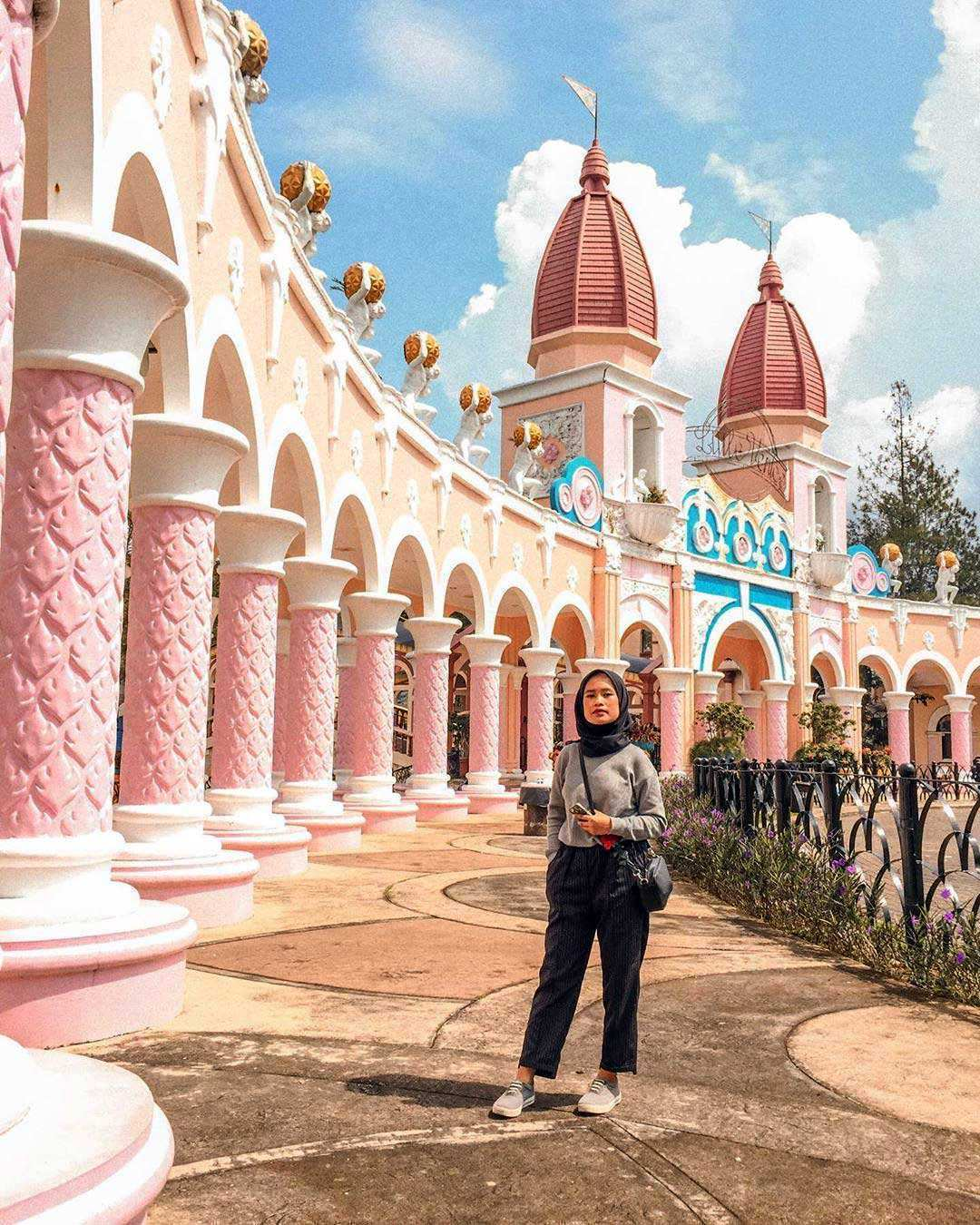 Harga Tiket Masuk Little Venice Kota Bunga Cianjur November 8