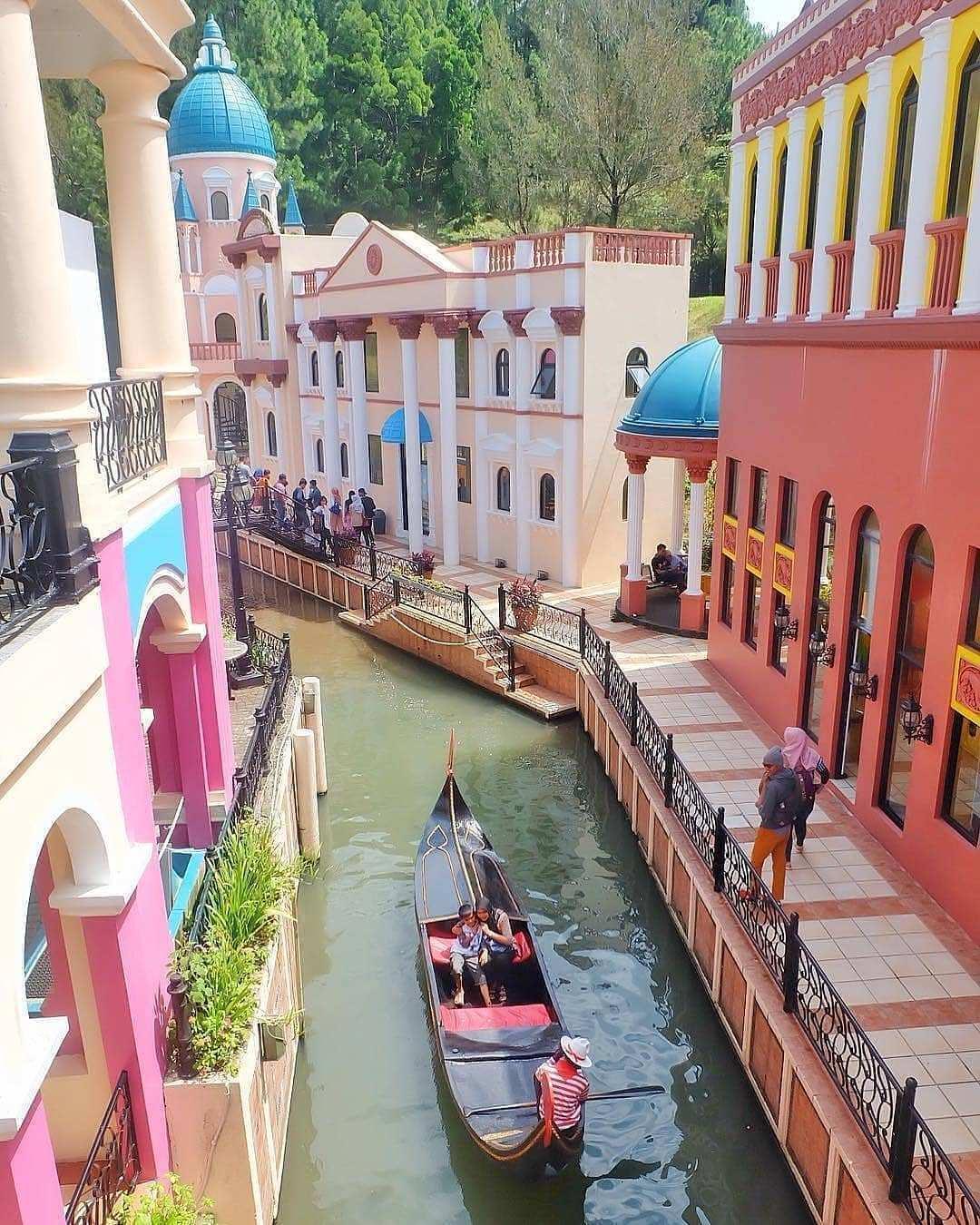 Foto suasana di Little Venice Kota Bunga Cianjur Image From @yustinautamii