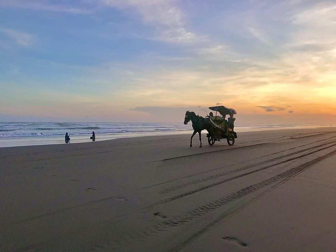 Andong di Pantai Parangtritis, Image From @dinparbantul