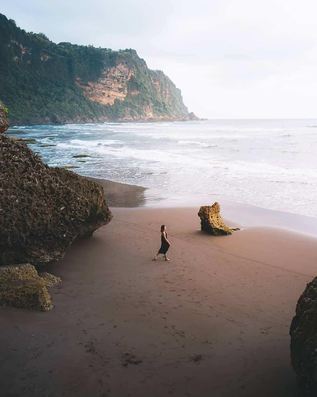 Berfoto Di Pantai parangtritis, Image From @jogjaviral