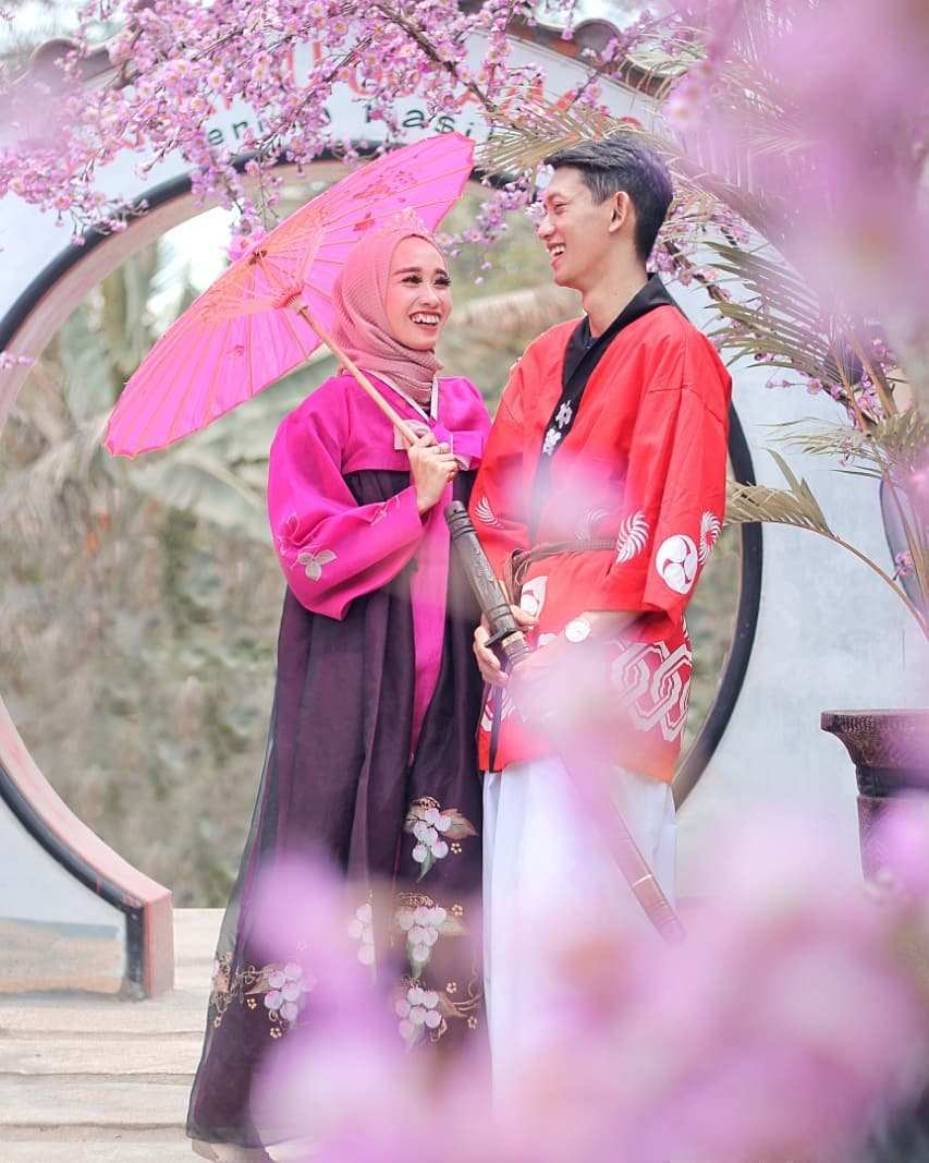 Foto Prewed di Lokasi Istana Sakura Blitar Image From @dbarra_mua_wo