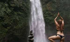 Berfoto di Air Terjun Nungnung, Image From @kateter17
