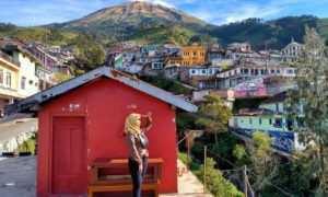Menikmati Pemandangan di Nepal Van Java, Image From @septindn