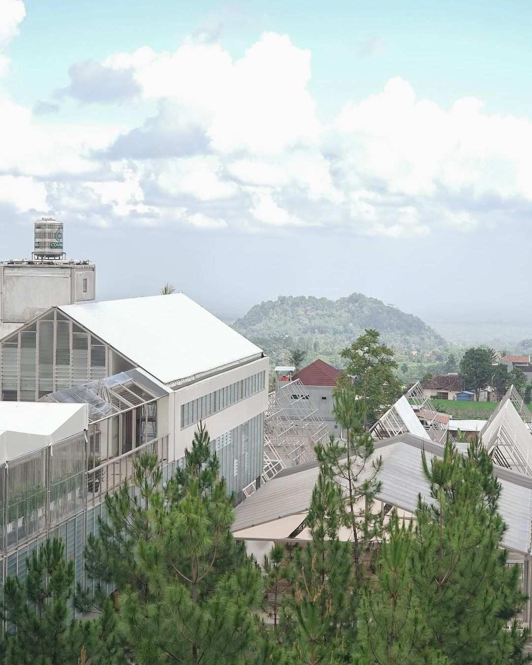 Pemandangan Rumah Atsiri, Image From @rumahatsiri