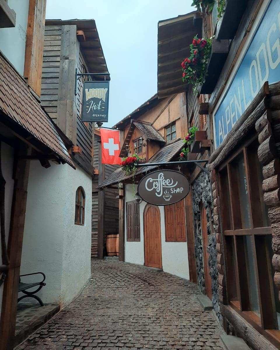 Spot Foto Suasana Kota Swiss di Bhumi Merapi, Image From @jogjaku