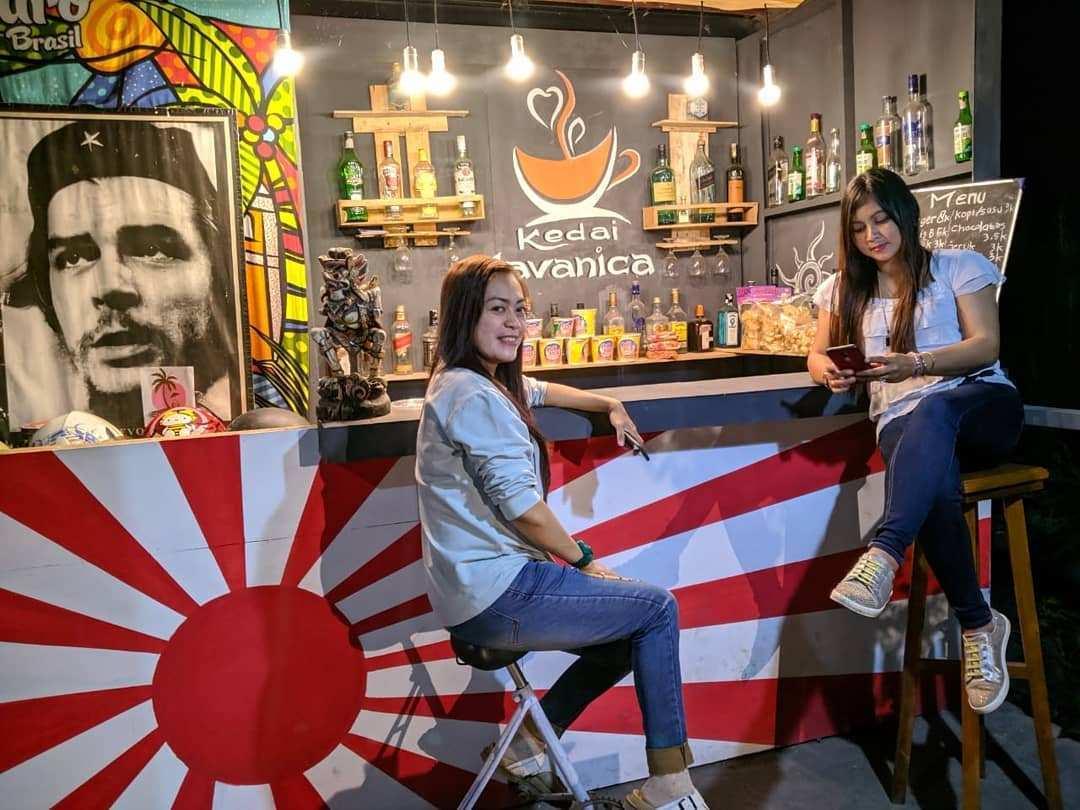 Cafe di Javanica Park, Image From @yuliawan_sastra