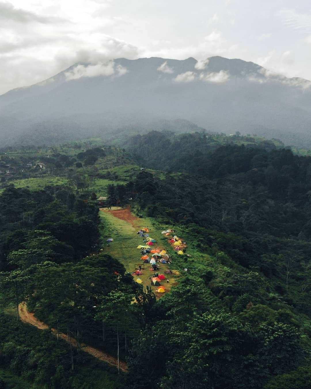 Camping Ground Gayatri Dilihat dari Atas Image From @fadlanai