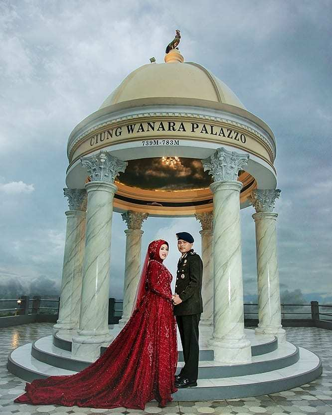 Foto Prewedding di Hidden Valley Hills Purwakarta Image From @herlina_febiani