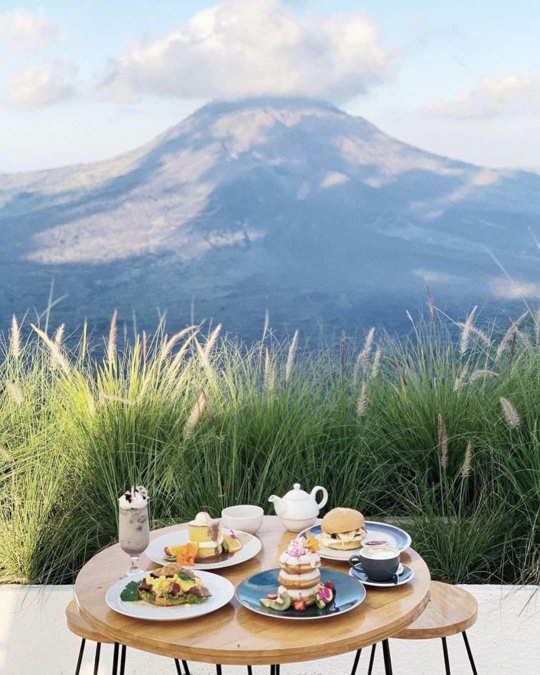 Pemandangan di Montana Del Cafe Bali, Image From @montanacafebali