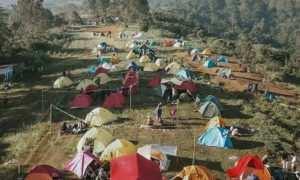 Suasana Pengunjung Camping Gayatri Puncak Bogor, Image From @chills_afz