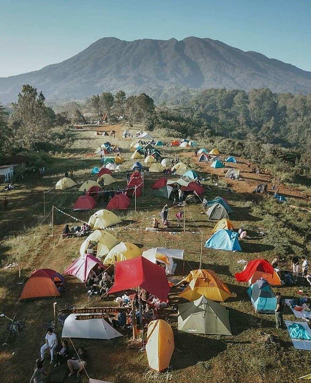 Suasana Pengunjung Camping Gayatri Puncak Bogor Image From @chills_afz
