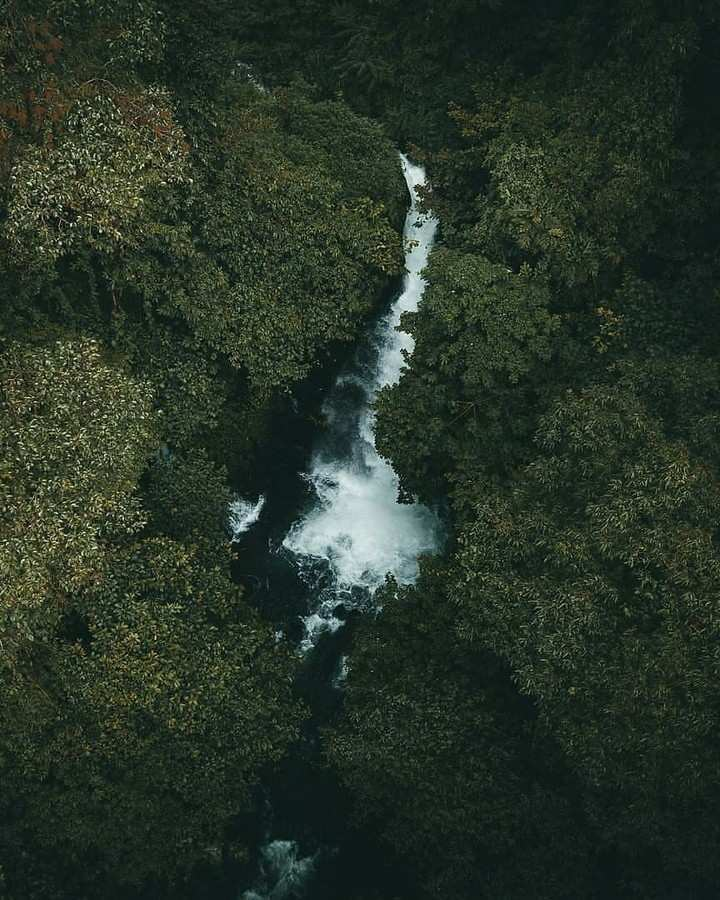 Air Terjun Telunjuk Raung Dilihat Dari Atas, Image From @ahmadfaizaf