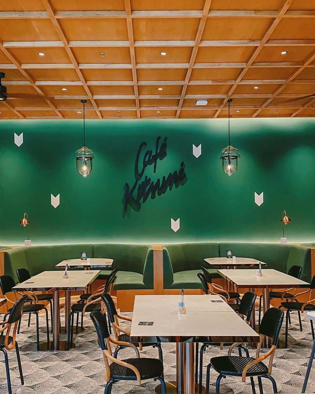 Desain Interior di Cafe Kitsune Jakarta Image From @echasyahrir
