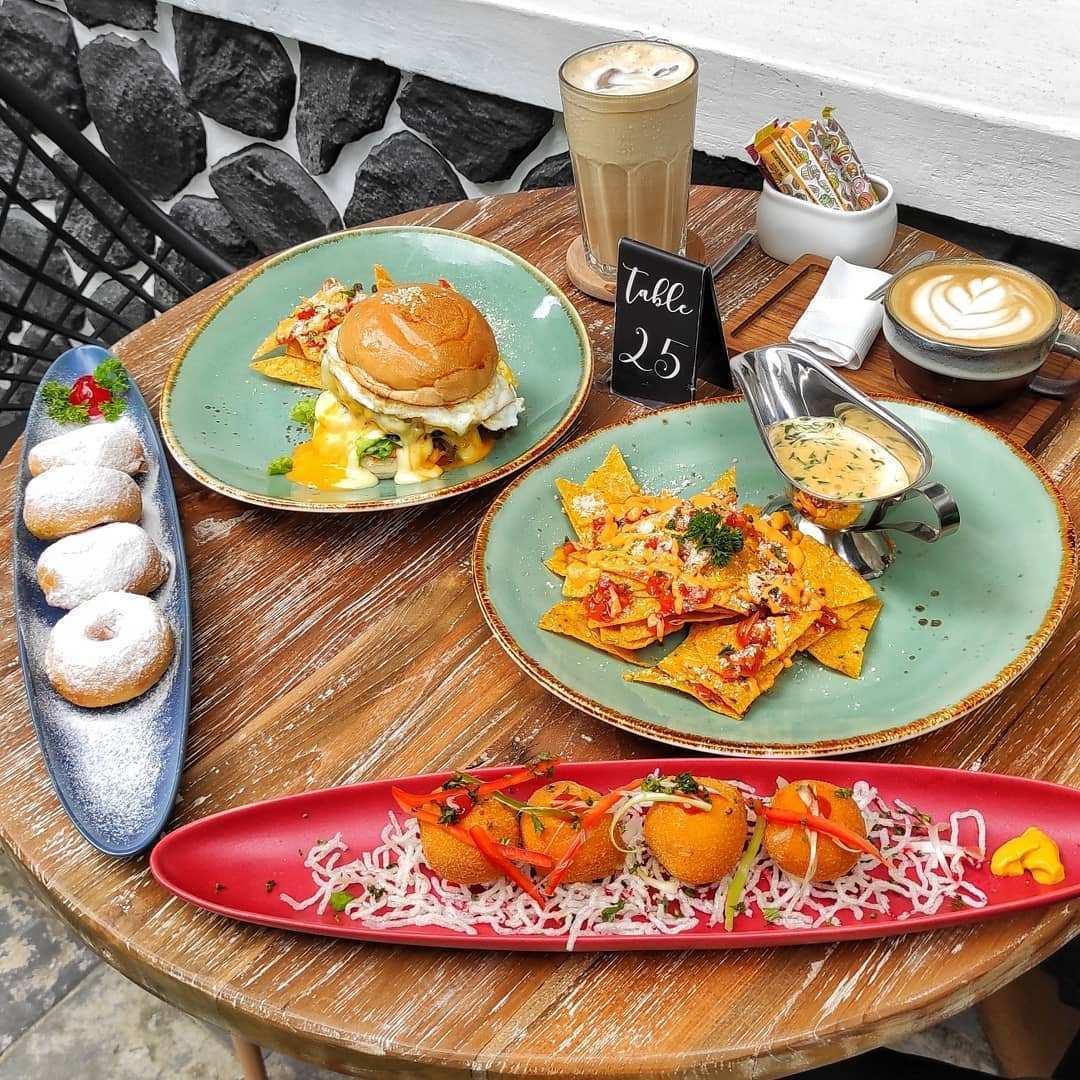 Makanan di Kalaras Heritage Bogor Image From @nadi_ngopi