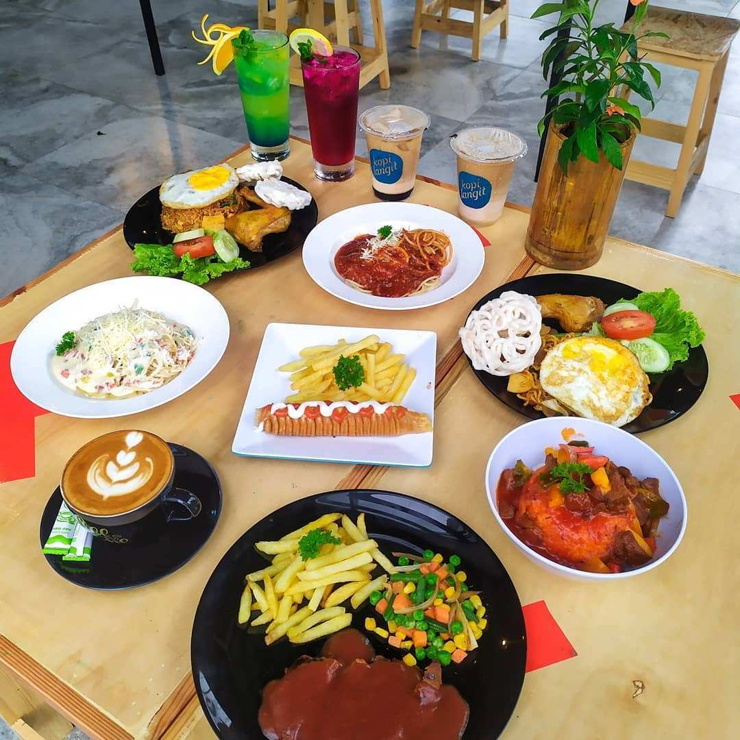 Makanan di Sangkara Garden Coffee And Resto Image From @bogorbikinlaper