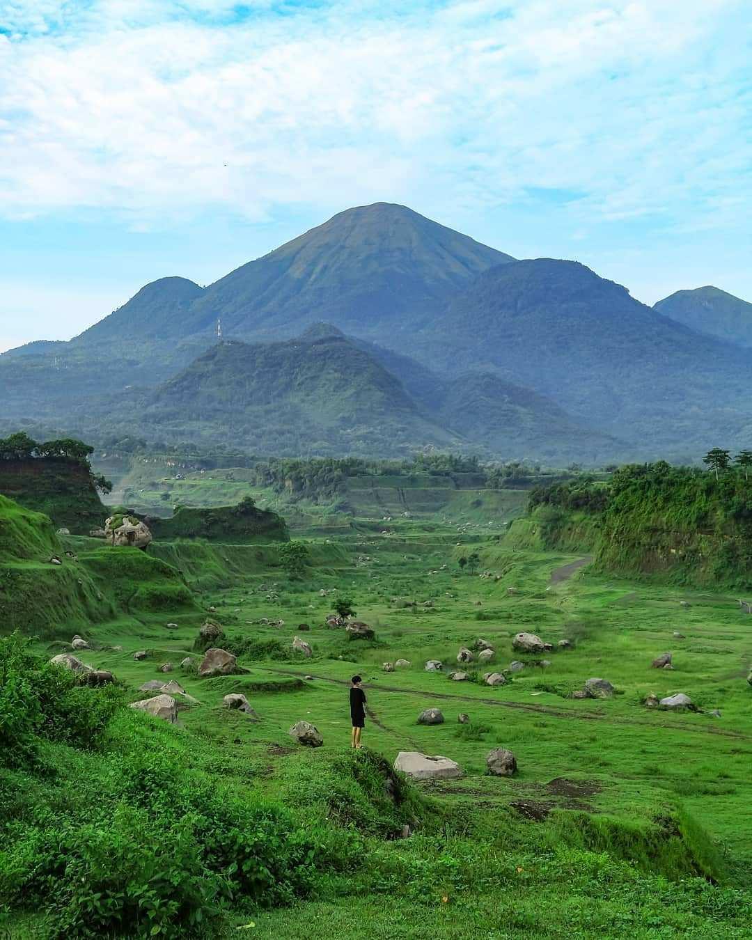 Megahnya Gunung di Ranu Manduro Mojokerto Image From @wisata_mojokerto