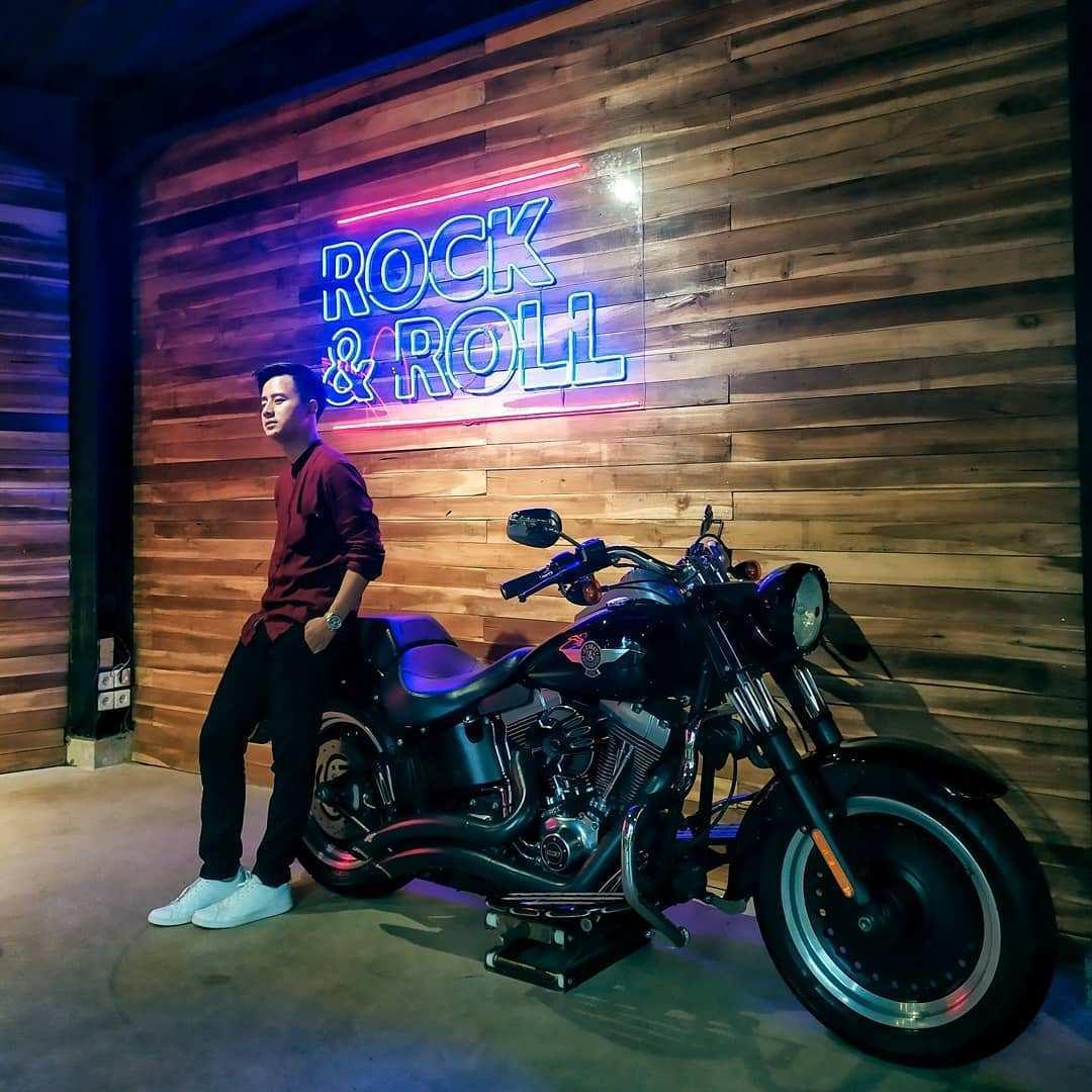 Spot Foto Harley di Kalaras Heritage Cafe Bogor Image From @nadi_ngopi